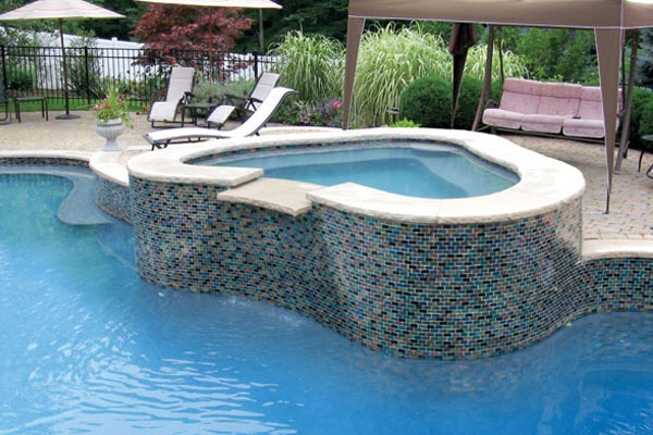 Spade Shaped Spa With Mosaic Tile Pools Spa Inspiration Pinterest Pools Mosaic Tiles And