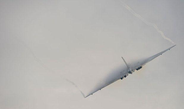 Video: Vulcan bomber touches down forever after final flight - Telegraph
