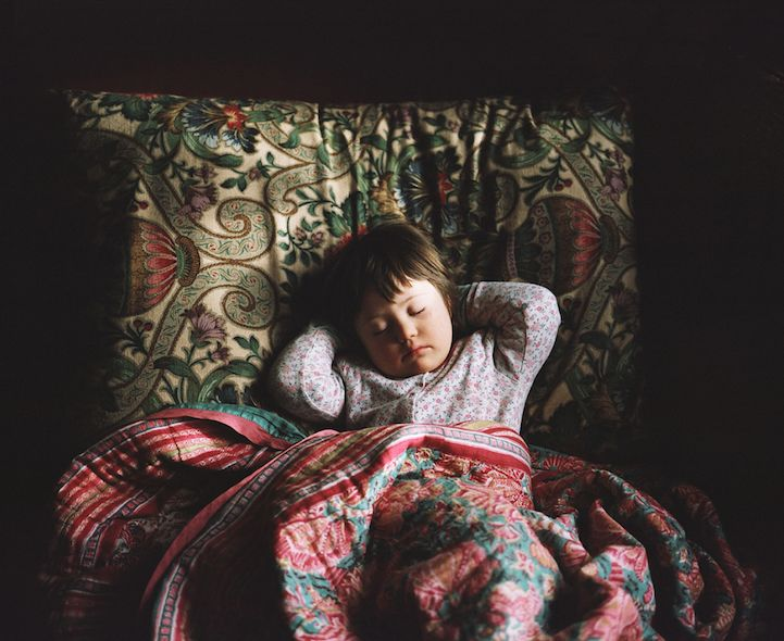 Mother's Heartwarming Portraits of Her Daughter with Down Syndrome - My Modern Met