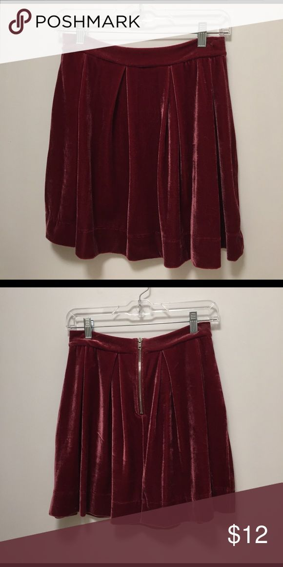 🎉HP🎉 AKIRA Red Label maroon/pink velour skirt AKIRA Red Label maroon/pink velour skirt. Soft and comfortable. Great for dressing up or down. Silver zipper down back. AKIRA Skirts Mini