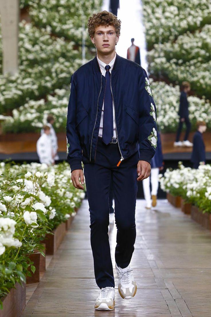 Dior Homme Menswear Spring Summer 2016 Paris - NOWFASHION