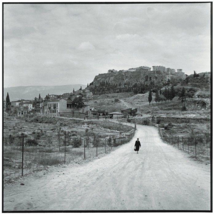 ΑΘΗΝΑ 1955. Η αρχαία Αγορά και η Ακρόπολη από το δρόμο του Αστεροσκοπείου. Πηγή: www.lifo.gr