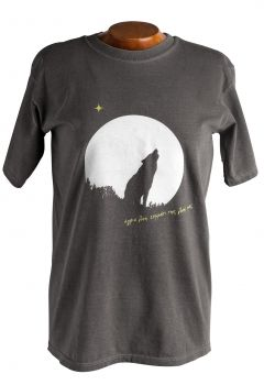 T shirt with the grey wolf available in three colors, brown, grey and green