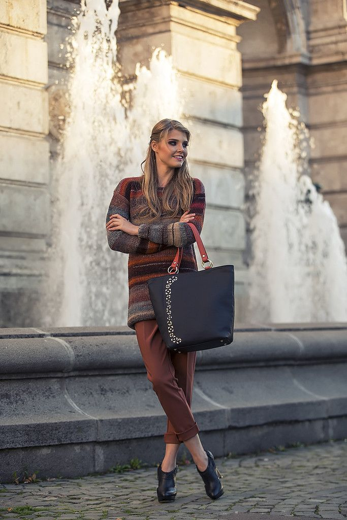 Perfectly designed for a dynamic and versatile lifestyle, the Urban Story tote is the most suitable accessory for busy days. Its dark grey leather makes a perfect match with every outfit and its beautifully folklore inspired perforation pattern is sure to catch the eye, offering the most generous inside space for everything you will need to carry. #busta #bustabags #leatherbag #leather #streetstyle #perforated #red #rose #embroidery #folklore #handmade #tote #leathertote #blue