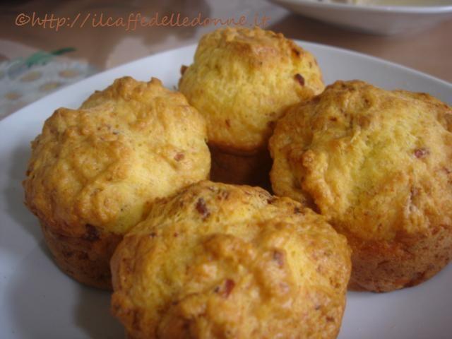 http://ilcaffedelledonne.blogspot.it/2013/01/muffin-cipolla-e-pancetta_14.html