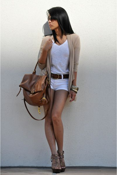 I always love a nice shorts outfit. :)  -Brown cardigan. White tank & shorts. Steve Madden Shoes.-