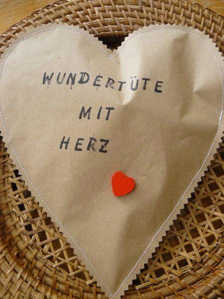 Wundertüte mit Herz & Rubbellos von Der AtelierLaden by Annette Diepolder auf http://DaWanda.com