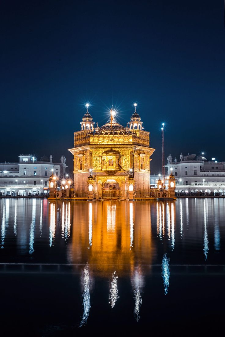 Golden Temple by Manvir  Singh