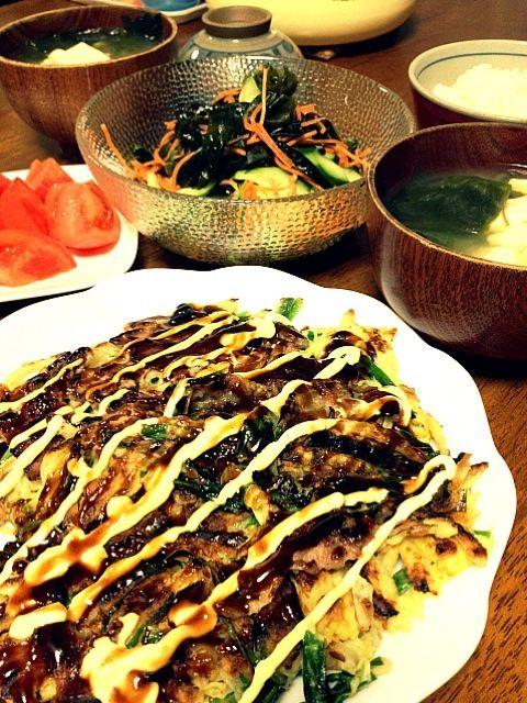 生わかめ歯ごたえも美味しい - 20件のもぐもぐ - 豚ニラ玉ねぎ焼き。頂いたわかめで、酢の物とお味噌汁。とまと。 by haru2004