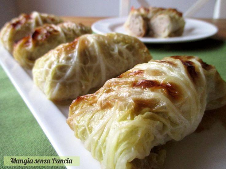 Gli involtini di verza e carne sono un piatto saporito e sfizioso. Ideali serviti caldi come secondo piatto e ottimi a temperatura ambiente come finger food.