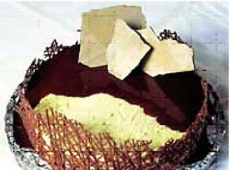 Receita de Festival de bolos e tortas - Torta Carícia, Ingredientes:, ½ pacote de bolacha tipo maisena ou ao leite, ½ xícara (chá) de leite, 2 colheres (sopa) de achocolatado, Ceme Básico, 6 gemas peneiradas, ½ xícaras (cha) de açúcar de confeiteiro peneirado, 240 g de manteiga sem sal, 1 lata de creme de leite sem soro, 1 colher (sobremesa) de baunilha, 2 colheres (sobremesa) de licor de cacau, Modo de Fazer, Bata por 15 min. as gemas , o açúcar de confeiteiro e a manteiga . Acrescente os…