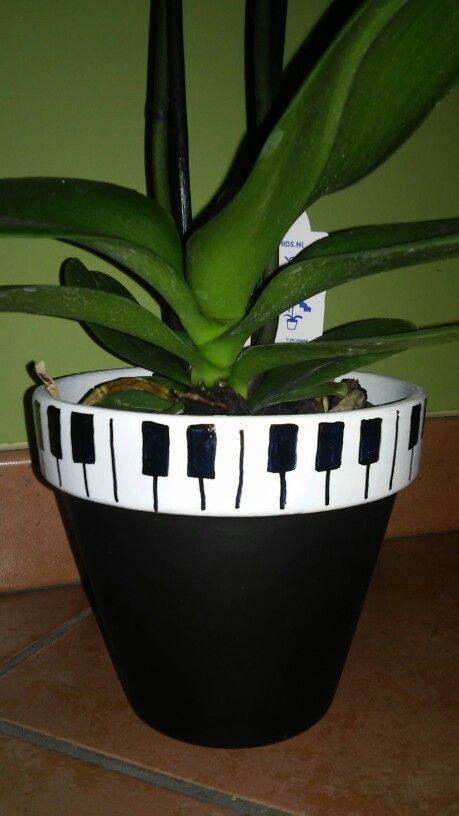 Piano pot decoration