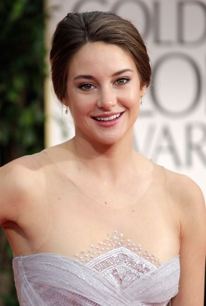 The Beauty Evolution of Shailene Woodley, from Girl Next Door to All-Natural Goddess