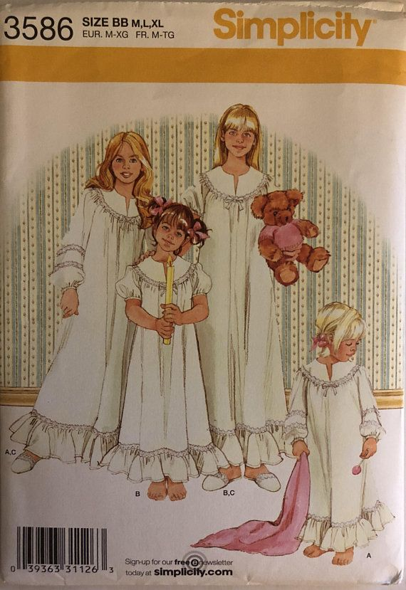 OOP 3586 Simplicity (2007). Girl's nightgown and slippers. Size M-L-XL (7 to 16). Complete, unused, neatly cut. Excellent condition.