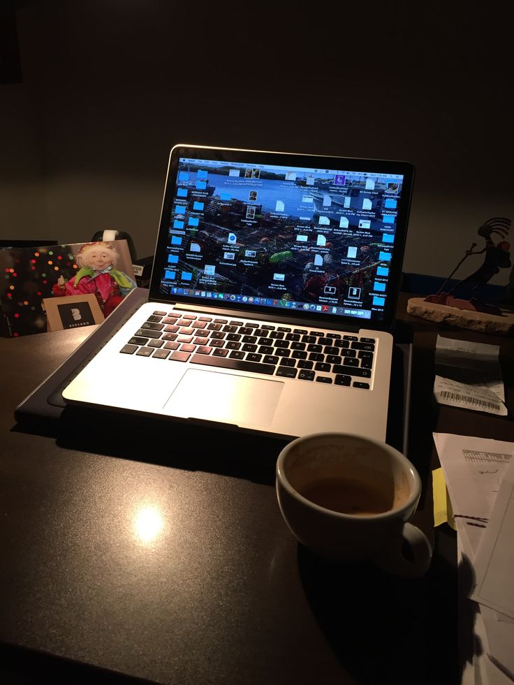 Hard at work @ Berendo. Already way in the Christmas rush  #latte#Berendo#christmas#espresso#gifts