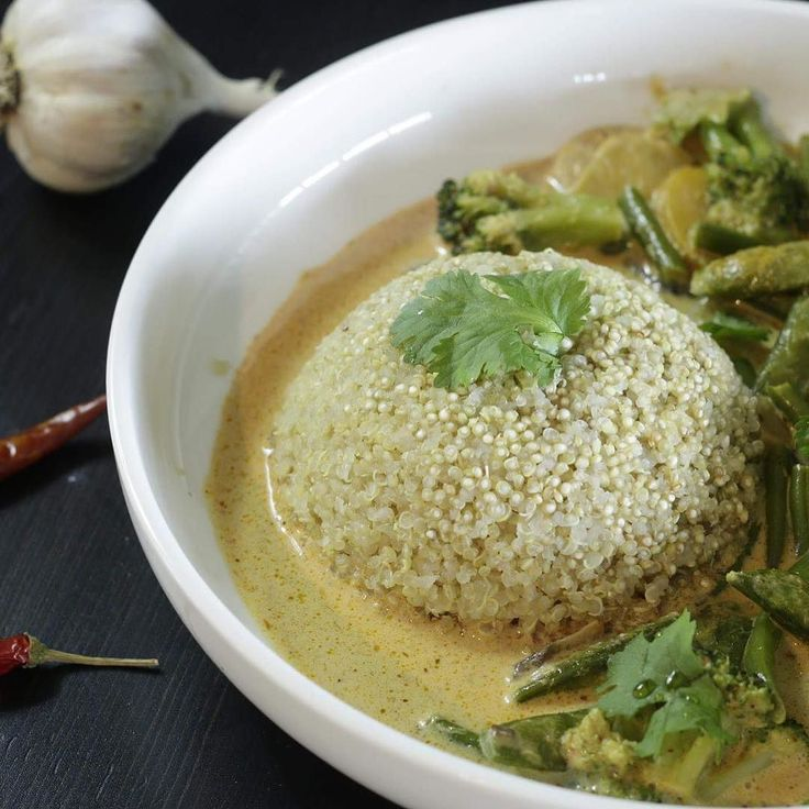 The latest BOAB recipe is a Frozen Vegetable Thai curry without chopping anything. I can make this in under 10 minutes. Click the YouTube link in the bio to learn how.