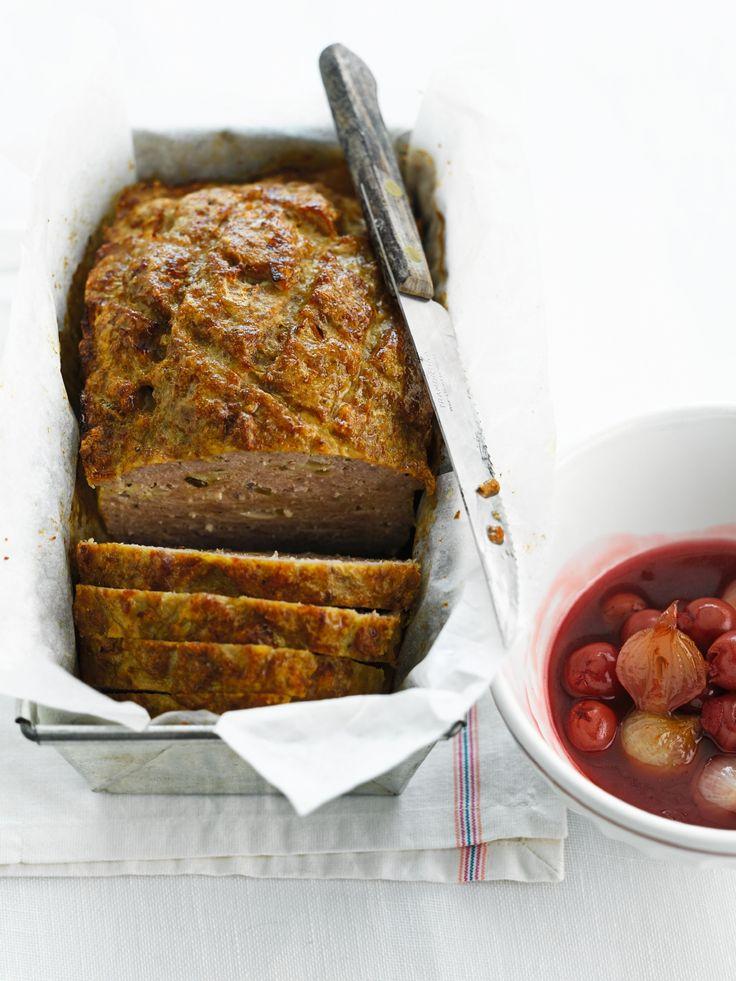 Vleesbrood met kriek en zilveruitjes http://njam.tv/recepten/vleesbrood-met-kriek-en-zilveruitjes