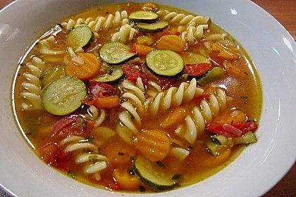 15 Minuten-Gemüse-Nudel-Suppe, ein schönes Rezept aus der Kategorie Gemüse. Bewertungen: 372. Durchschnitt: Ø 4,4.