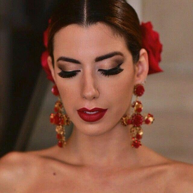 Simple y con estilo peinados flamenca 2021 Fotos de consejos de color de pelo - Pin de Florencia Franchetti en maquillaje   Maquillaje de ...