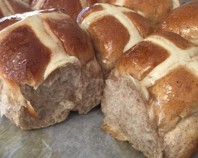 Hot cross buns - Thermomumma