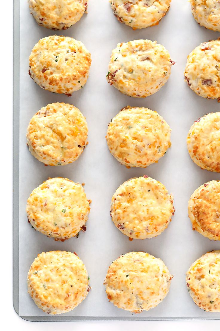 These delicious Bacon Cheddar Scones are easy to make, and full of the best savory flavors!  Perfect for breakfast or brunch! | gimmesomeoven.com