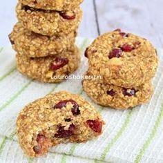 Havermout banaan koekjes met cranberries en noten - Laura's Bakery. Lekker, gezond en zonder suiker, gluten en lactose! Link in profiel