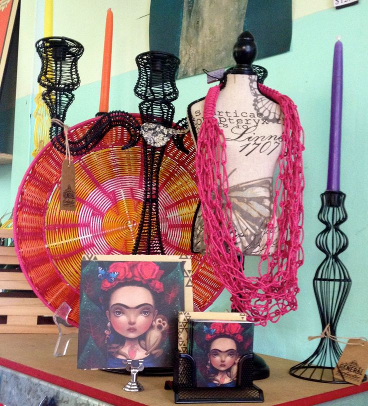 Hot pink and black.  Large wire candelabra, very cool.  Large and small Frida cards.