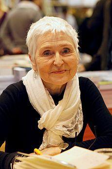 Herbjørg Wassmo is een bekende Noorse schrijfster. Zij debuteerde in 1976 met de dichtbundel Vingeslag. Haar doorbraak als schrijfster kwam in 1981Geboren: 6 december 1942 , Vesterålen, Sortland, Noorwegen
