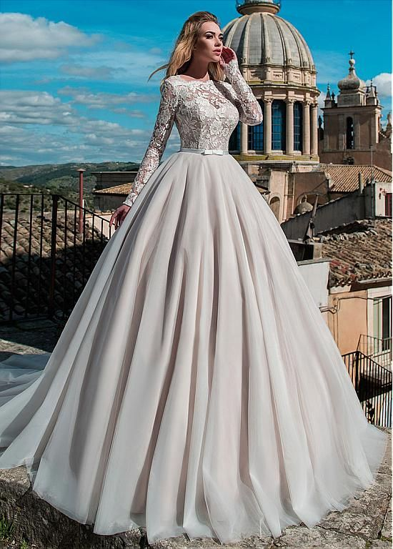 Attractive Tulle & Organza Bateau Neckline Ball Gown Wedding Dress With Lace App…