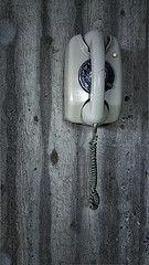 Wandtelefon (klemmt) Tags: telefon mauer kabel whlscheibe
