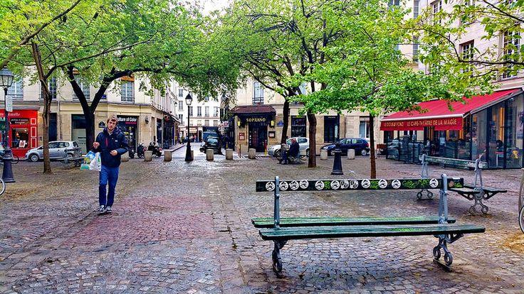 Paris Place Sainte-Catherine 01