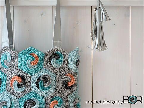 DESIGNbyBORI, Budapest, DIY colourful crochet bag patterns