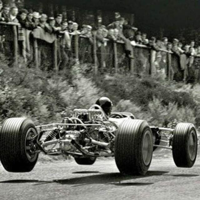 Jim Clark in Lotus 49 scored Esso's 20th Pole Position in #F1 at @nuerburgring…