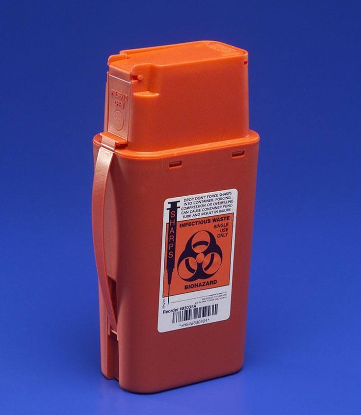 KENDALL 8303SA 1 QUART SHARPS CONTAINER. Kendall Healthcare Transportable Sharps Container 1 Quart Red      Transportable Sharps Containers are conveniently sized for easy transport in situations such as EMS, ambulance, home health care or psychiatric units. The 1-1/2 qt. capacity features a square base for added stability and a leak-resistant screw cap to cover the disposal opening.      Simple, one-handed operation.   Convenient sizes.   Leak-resistant...
