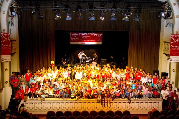 Más de 250 personas en la feria regional... éxito total