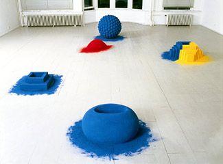 Anish Kapoor pigment sculptures