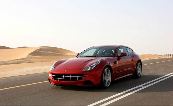A mais versátil Ferrari, a FF transporta quatro pessoas com muito conforto enquanto atinge os 100 km/h em apenas 3,7 s, isso graças à tração integral e aos 660 cv de potência produzidos pelo motor V12 de 6.2 litros que gira até os 8.000 rpm.
