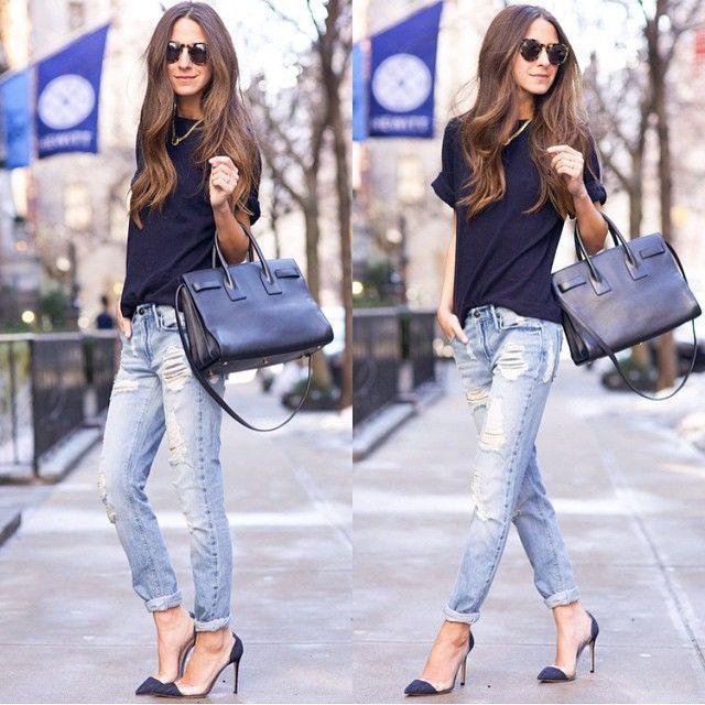 Похоже, Ариэль очень нравятся эти рваные джинсы бойфренды известного американского бренда Black Orchid. Мы её понимаем! Бойфренды невероятно комфортны, а рваные детали - не только популярный тренд этого сезона, но еще и отличная вентиляция. Черные туфли, футболка и сумка отлично подчёркивают классический джинсовый голубой деним. Так можно пойти практически куда угодно, не правда ли? И выглядеть там стильно и уместно. И чувствовать себя комфортно.