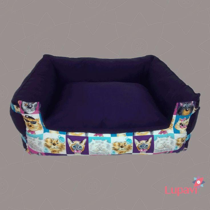 Cama Pet Gatorro para o seu pet descansar com conforto na caminha. Com enchimento de fibra siliconada, super macia, zíperes nas laterais para a remoção dos enchimentos embalados em TNT para facilitar a lavagem. #Lupavi #Patchwork #Pet #Cama #Dog #Cat #Artesanato #Caminha #Customizado #Gato #Cachorro #Bed