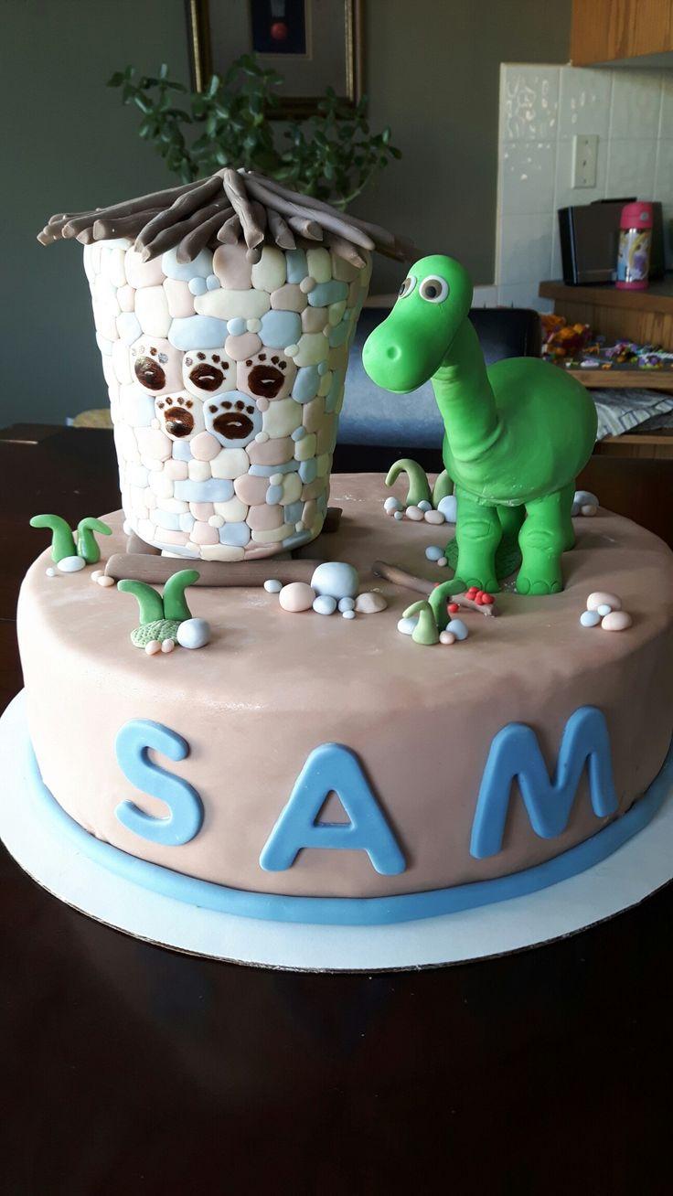 Arlo, The Good Dinosaur cake