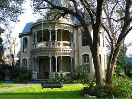 How I would love to live here: Old House, Victorian House, Gardens Swings, Balconies, Victorian Home, Dreams House, Architecture, Porches, Beautiful Victorian