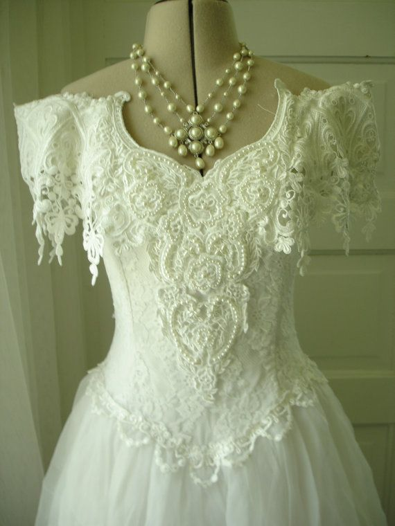 1980 Jessica McClintock Pearl Beaded Lace and Chiffon Full Skirt Ball Gown Wedding Dress