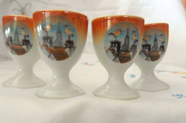 Four egg cups vintage-porcelain 1920/30 of the Czech. Republic /Quatre coquetiers en porcelaine d'époque de 1920/30 la république Tchèques. de la boutique Vintagemandalitashop sur Etsy