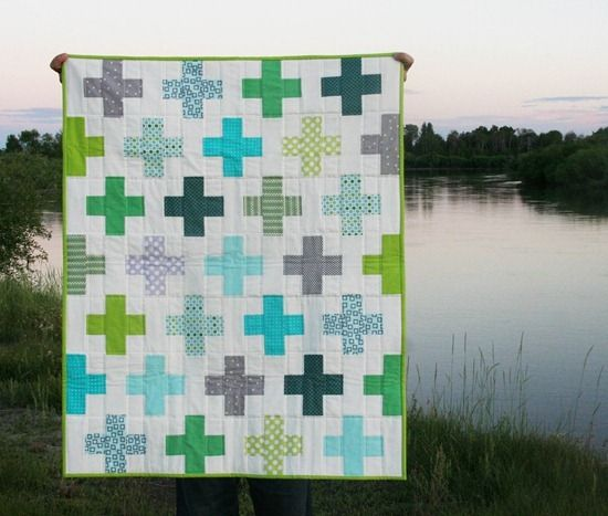 Gorgeous plus quilt. Love the colors and the white space.