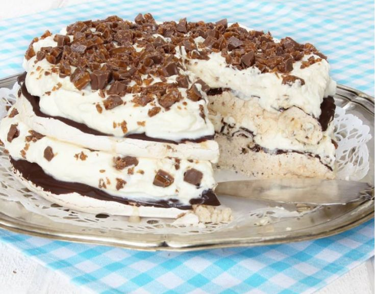 Ljuvlig god Daimmarängtårta – klicka här för recept!