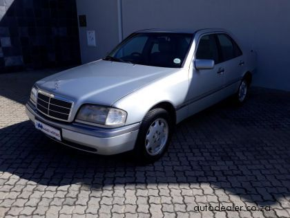 Price And Specification of Mercedes-Benz C-Class Sedan 280 Elegance A/T For Sale http://ift.tt/2FeSBcH