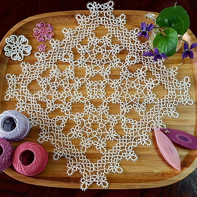 * 2017/3/21 (Tuesday) * * ~ doily ~ ** * * * ~ Completed ~ ✨ ✨ ✨ * * ~ Long time no post ~  * * # Tatting # Tatting race # Race work # Handicraft # handmade # handmade # race thread # tatting # tattinglace # handmade #lacework #DMC Cordes Ne Special # 70 # Olympus Tatting thread # shuttle # flower # cherry # sweet violet # living a sweet violet #flower # flower # cherry blossom # March of graduation · moving · moving