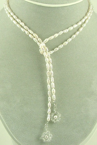 Neat idea a lariat necklace that is just a long string of beads with