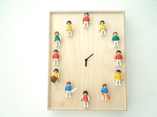 DIY Playmobil Clock  De Rien, Madame- I am making this for my son, the grown-up Lego nut, for his b'day