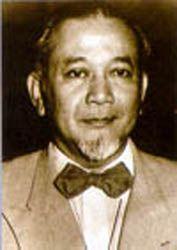 Mr. Raden Achmad Soebardjo Djojoadisoerjo (lahir di Karawang, Jawa Barat, 23 Maret 1896 – meninggal 15 Desember 1978 pada umur 82 tahun) adalah tokoh pejuang kemerdekaan Indonesia, diplomat, dan seorang Pahlawan Nasional Indonesia. Ia adalah Menteri Luar Negeri Indonesia yang pertama. Achmad Soebardjo memiliki gelar Meester in de Rechten, yang diperoleh di Universitas Leiden Belanda pada tahun 1933.  http://id.wikipedia.org/wiki/Achmad_Soebardjo